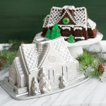 Molde Nordic Ware Gingerbread House